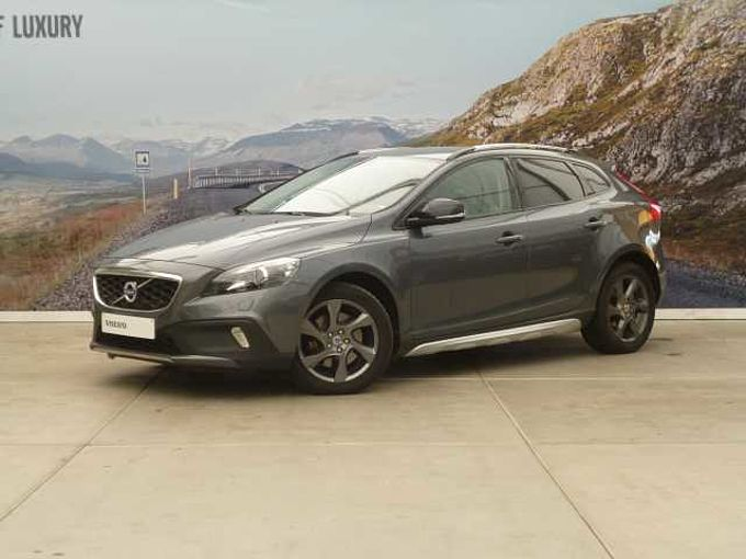 Volvo V40 CROSS COUNTRY D3 AUT SUMMUM + XENON + NAVI