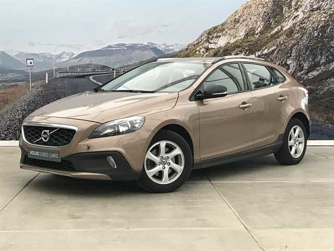 Volvo V40 Cross Country D2 MOMENTUM + NAVI