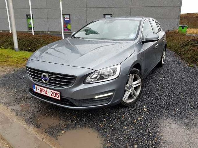 Volvo V60 D5 AWD Twin Engine Momentum